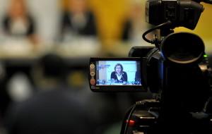 AMNESTI INTERNEŠENEL: VLADA UTIČE NA MEDIJE U SRBIJI